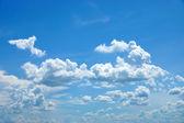Clouds in the blue sky. (Cumulus cloud) — Stock Photo