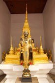 Golden Buddha in Buddhist temple — Stock Photo