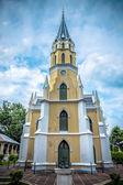 Thai temple in Christian church style (Wat Niwet Thammaprawat Go — Stock Photo