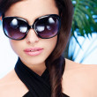 Woman with big sun glasses — Stock Photo #13922197