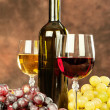 Wine cups and grape — Stock Photo #43336901