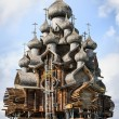 Wooden church at Kizhi under reconstruction — Stock Photo