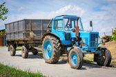 Gamla traktor — Stockfoto