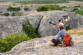 Hiking man having rest — Zdjęcie stockowe