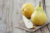 Bartlett pears — Stock Photo