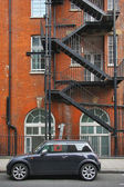 London building and car — Stock Photo