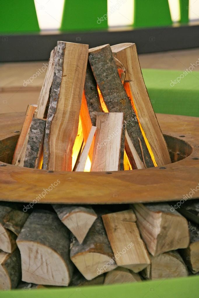 Fireplace decoration in the living room. — Stock Photo #17133533