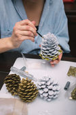 Making decorations for Christmas — Стоковое фото
