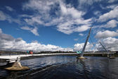 The Peace Bridge in Londonderry — Stock Photo