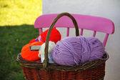 Wool balls in a basket in Ireland — Zdjęcie stockowe