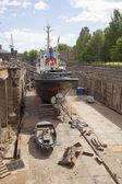 Ship in dock on the island of suomenlinna near helsinki — Stock Photo