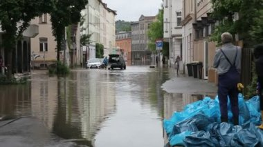The flood on Gera streets, Germany. — Stock Video