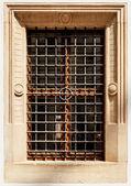 Alte Fenster mit den — Stockfoto