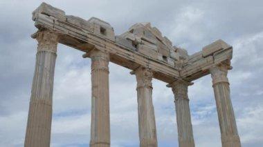 Classic Greek columns — Stock Video