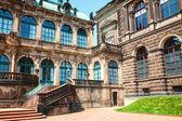 Дворец Цвингер старых мастеров в Дрездене — Стоковое фото