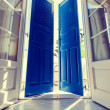 Sunlight through the open door — Stockfoto