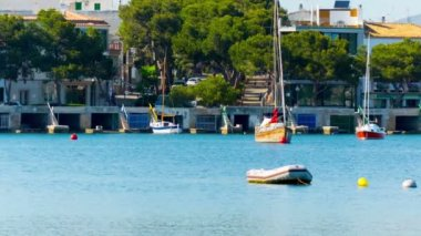 Panorama of the city by the sea, porto colom mallorca — 图库视频影像