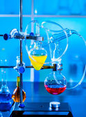 Installation for a chemistry experiment in a university laboratory — Stock Photo