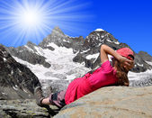 Girl looking at the Mount Gabelhorn — Stock Photo