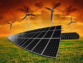 Turbina de vento e painéis solares — Fotografia Stock