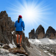 Girl looking at the Tre cime di Lavaredo — Stock Photo