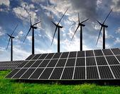 Solar energy panels with wind turbines — Stockfoto