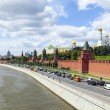 Moscow. Panorama of the Moscow river embankment and architectural ensemble of the Moscow Kremlin — Stock Photo