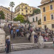 Rome, Italy. Tourists on the Spanish Steps — Стоковое фото