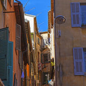 France , Nice. The narrow streets of the old part of the city — Foto de Stock