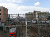 Railroad tracks in the city — Stockfoto
