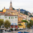 France , Menton, 15 October 2013 . The typical tourist sight : the old town and the port with moored yachts. — Foto Stock