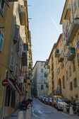 France , Cote d'Azur . Nice, narrow street of the old town — Stock Photo