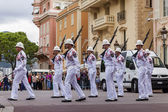 The Principality of Monaco . Daily ceremony of changing the guard of honor at the Prince's Palace — Stock Photo