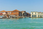 Italy, Venice June 21 2012. View of the coast of the island of Murano in the Venetian lagoon. — 图库照片