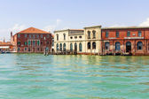 Italy, Venice June 21 2012. View of the coast of the island of Murano in the Venetian lagoon. — Stockfoto