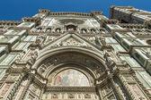 Florence, Italie, 23 juin 2012. Cathédrale de santa maria del fiore, (santa maria del fiore, le duomo de florence), détails architecturaux — Photo