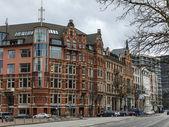 Hamburg, Tyskland, den 19 februari, 2013. typiska urban Visa en molnig vinterdag — Stockfoto