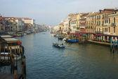 Veneza, itália, 21 de junho de 2012. névoa da manhã sobre o grande canal — Fotografia Stock