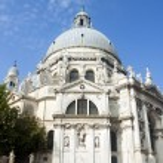 Italy , Venice. Basilica of Our Lady to heal (Basilica di Santa Maria della Salute). — Stock Photo