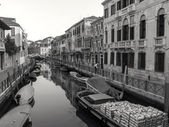Italy , Venice. Typical urban view in the early morning — Stock Photo
