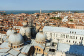 View of the city from the bell tower of the Cathedral of San Marco — Foto Stock