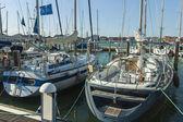 Veneza, itália, 22 de junho de 2012. iate ancorado fora da ilha de san giorgio — Fotografia Stock