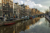 Amsterdam, The Netherlands . Houses on the canal in the city center — Stock Photo