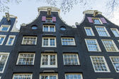 Amsterdam, países baixos. detalhe arquitetônico típico de casas — Foto Stock