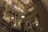 вена, австрия, 29 октября 2011. интерьер фойе венская государственная опера — Стоковое фото