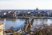 ブダペスト、ハンガリー、2014 年 3 月 24 日に。ドナウ川とブダ城からの pesht のビュー — ストック写真