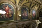 Wenen, Oostenrijk, op 25 maart 2014. inrichting van een lobby van de staat opera theater — Stockfoto