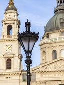 Budapest, hongarije. mooie lantaarn op een stad straat — Stockfoto