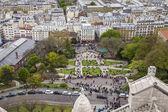 Paris, France, April 29, 2013 . Tourists at Sacre- Coeur in Montmartre — Stock Photo