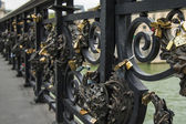 Paris, France, Beautiful lattice bridge — Stock Photo